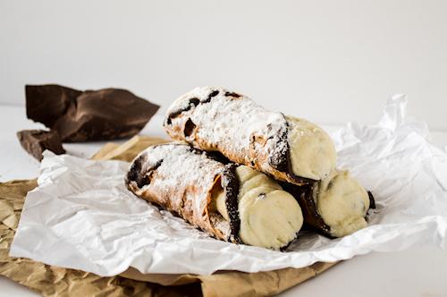 Natalies Bakery - Cannolis